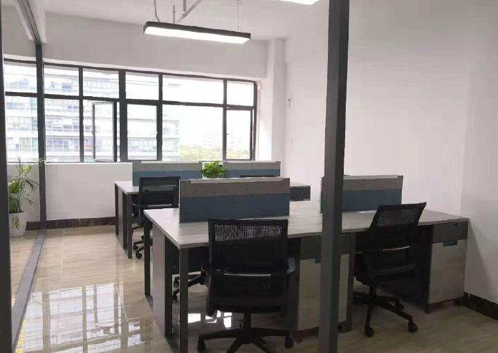 宝安西乡地铁口300米 精装96平写字楼出租拎包入住图片2