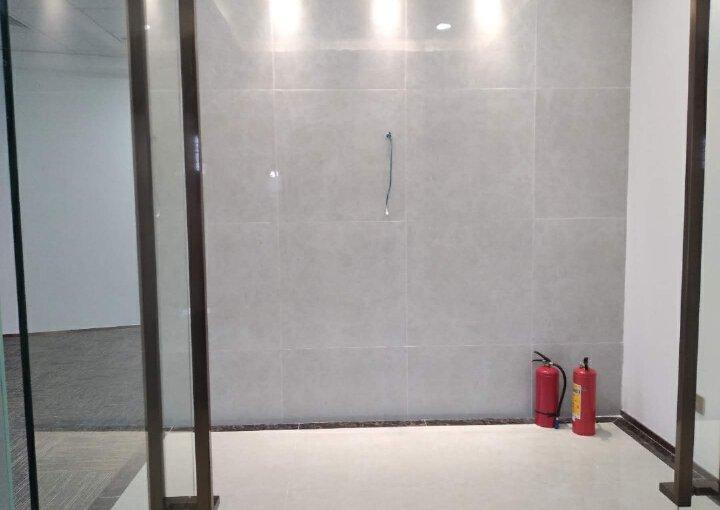蓝坤集团大夏 220m² 低区 精装图片4