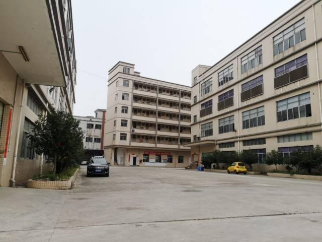 深圳市光明新区合水口独栋一楼5.5米高6600平米厂房出招租