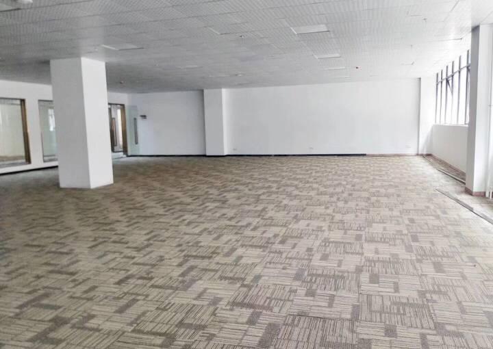 宝安区深业U中心 292m² 带装修 可注册图片2
