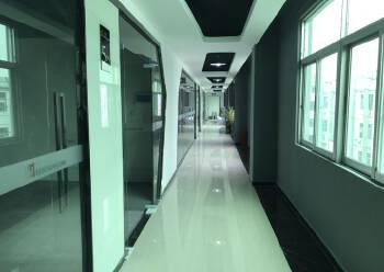 地铁口环境优雅写字楼 276平米 精装修拎包入住图片2