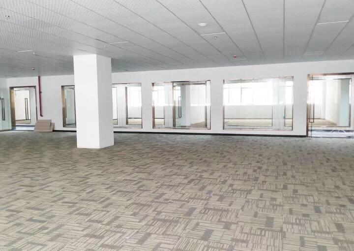 宝安区深业U中心 292m² 带装修 可注册图片5