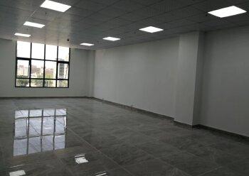 激尚众创空间 49m² 低区 精装修带家私,价格优惠图片2
