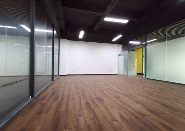 地铁口精装修写字楼出租 53平米 免中介费图片2