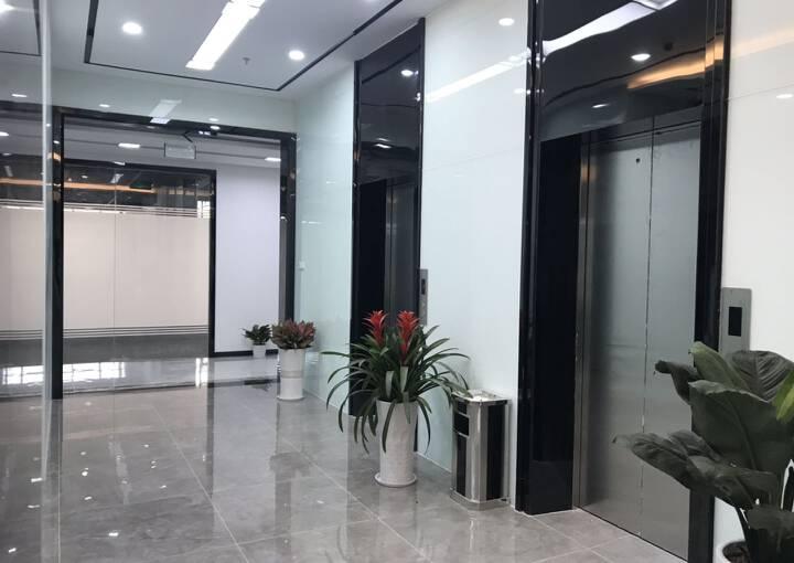 户型方正 深业U中心 405m² 带隔间写字楼图片2