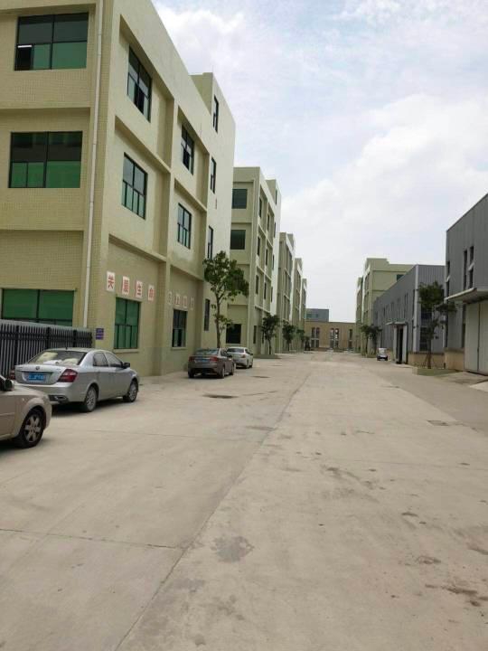 大型工业区独栋厂房3层5400平方,证件齐全,工业氛围浓厚