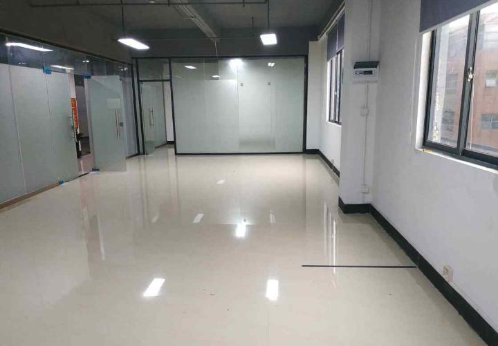 独栋写字楼招租 鹏展科创大厦 70m² 低区 精装图片3