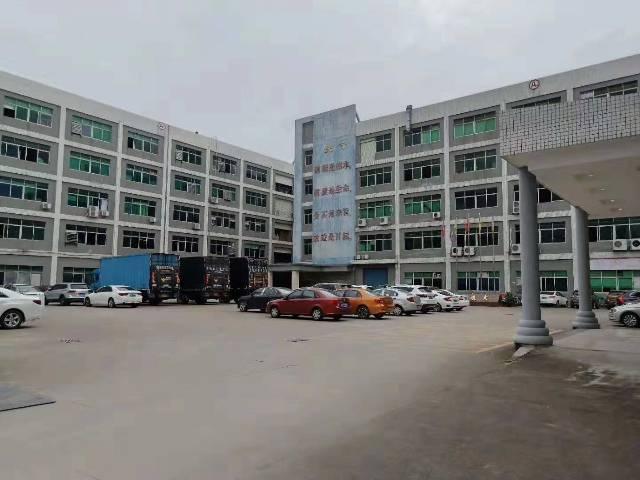 深圳市光明新区周边独栋带红本超大空地12000平米厂房出招租