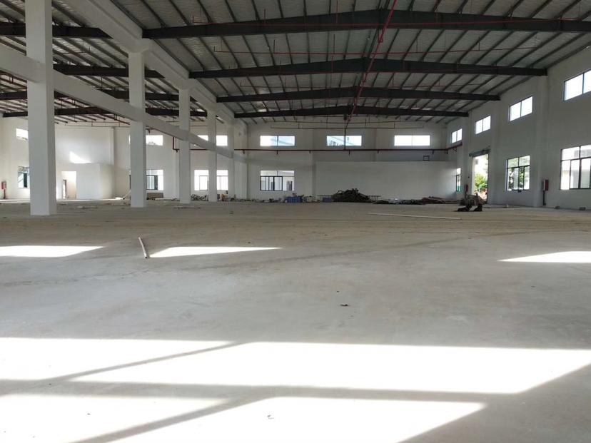 惠阳球场滴水8米钢构2500平方招租-图3