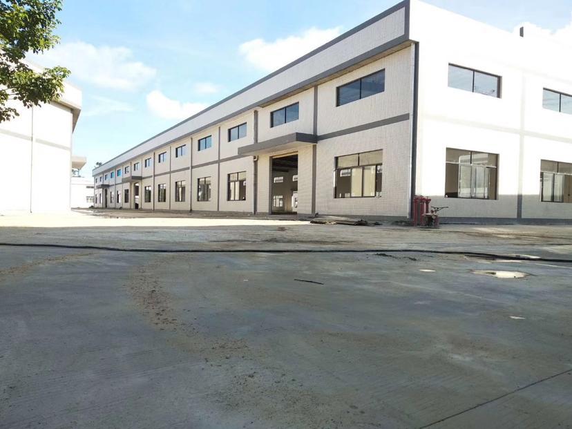 惠阳球场滴水8米钢构2500平方招租