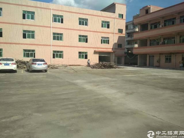 樟木头镇百果洞社区新出独院标准厂房4200平米