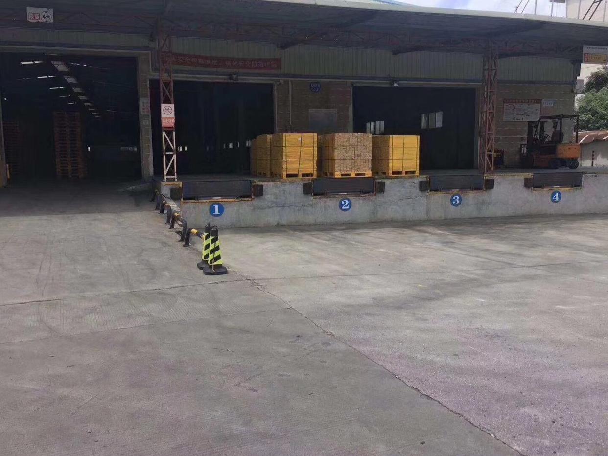 平湖高速独院钢结构仓库10000平