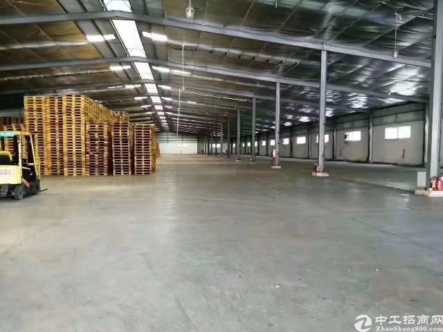 深圳平湖新出钢构物流仓库10800㎡可分租