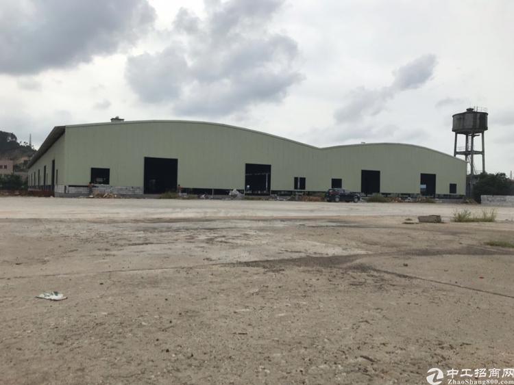 大岭山镇全新可三面卸货物流仓库9500平米出租,靠近龙大高速