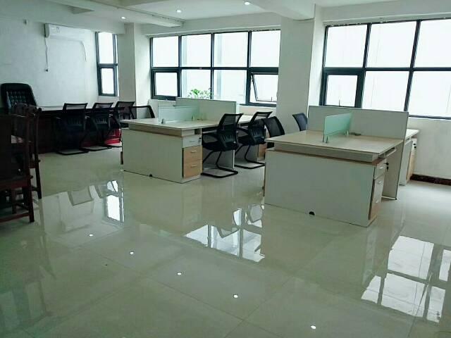 清湖地铁口带家私精装修办公室业主较租