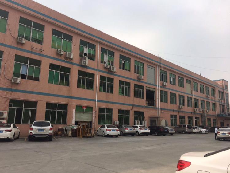 寮步镇大型工业园分租楼上整层面积3300平方,地坪漆水电齐全