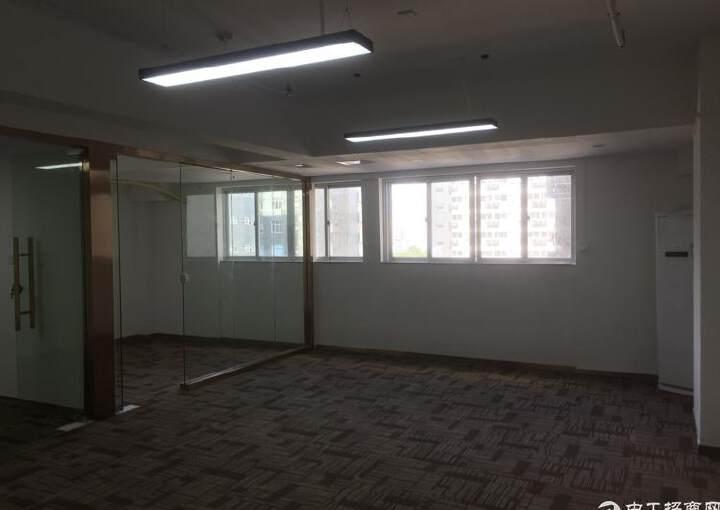 坂田主干道地铁口近50元高端写字楼110平图片3