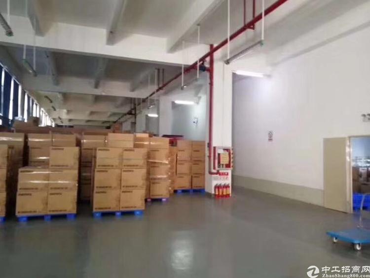 大浪华宁路边边上原房东1楼1180平厂房可做仓库带卸货平台