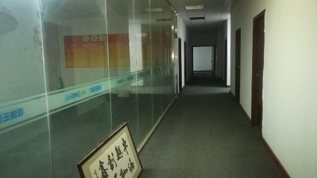 东莞市凤岗镇雁田新空出二楼800平方豪华装修办公室车间