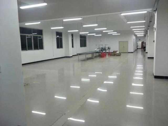 长安锦厦带装修三楼厂房1300平方招租
