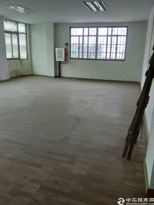樟木头镇裕丰管理区有标准厂房一楼1000平方左右出租