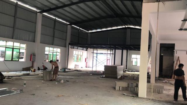 原房东独院内新建单一层钢构出租,500平方,电按需