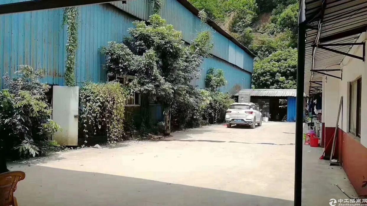 黄江镇靠山边带5吨行车钢构厂房