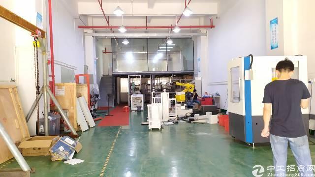 长安乌沙新安大桥出口附近实业客转租一楼500平方精装修水电全