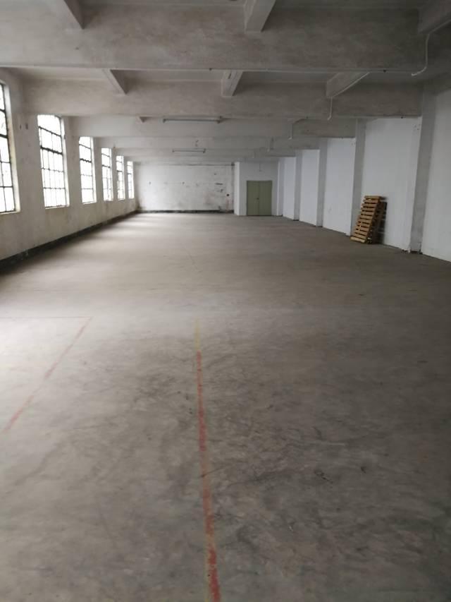横岗沙荷路边上三楼整层面积600平米厂房招租
