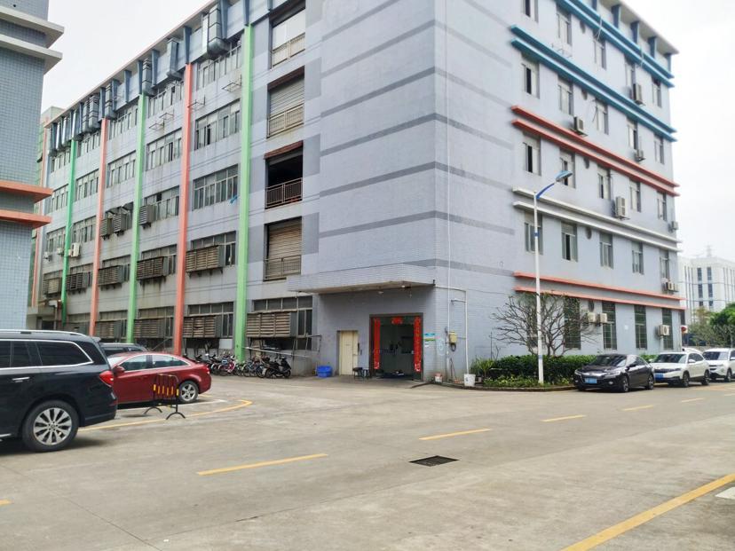 光明区公明镇新出一楼2100平米,租金28元,一楼五米高