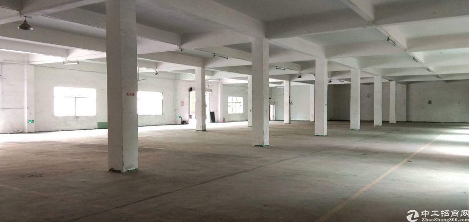 一楼层高6.5米,单层面积8450平方,厂房证件齐全环评好办