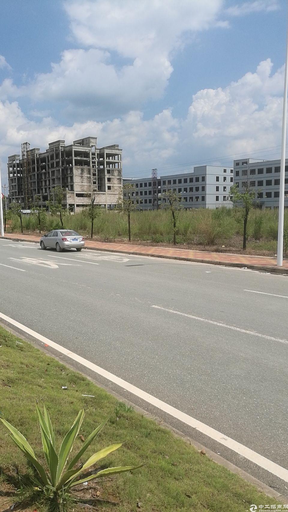 占地5万,建筑36,000标准全新厂房,售价9000万。
