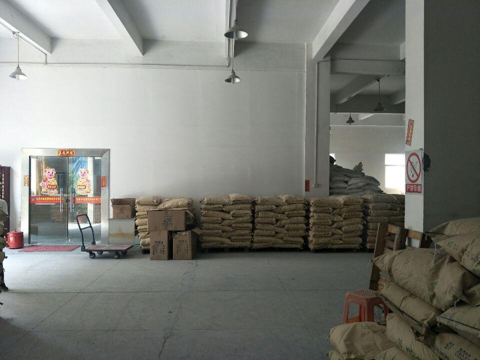 清溪镇三中5.5米高一楼500平方带装修水电齐全