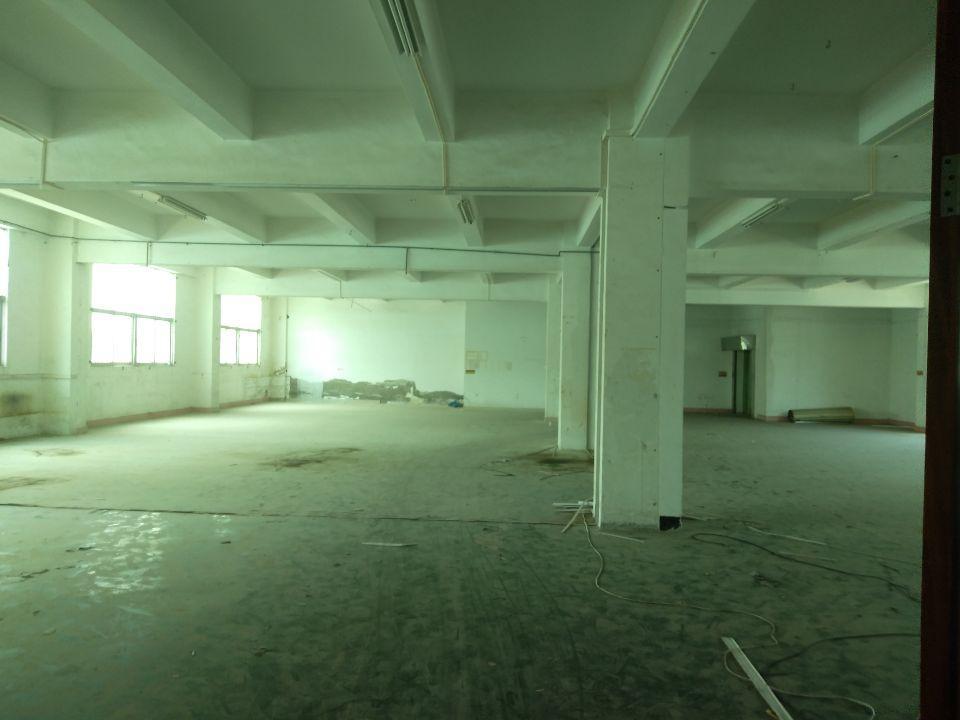 观澜近公明观光路边上新出原房东二楼豪华装修厂房实际面积出租
