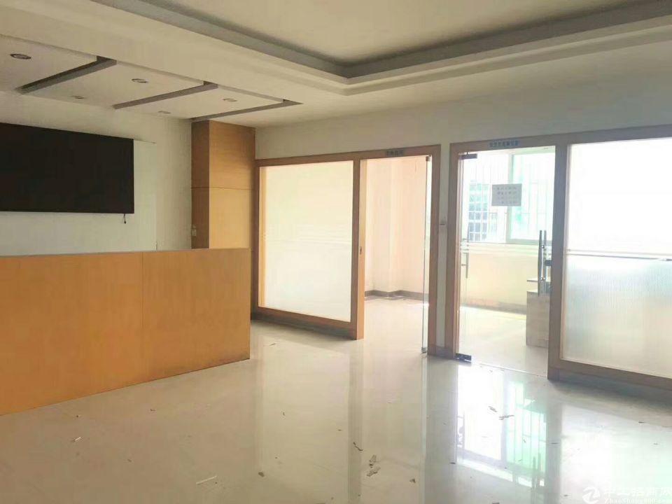 福永宝安大道附近福永地铁口附近新出二楼整层2500平原房东租
