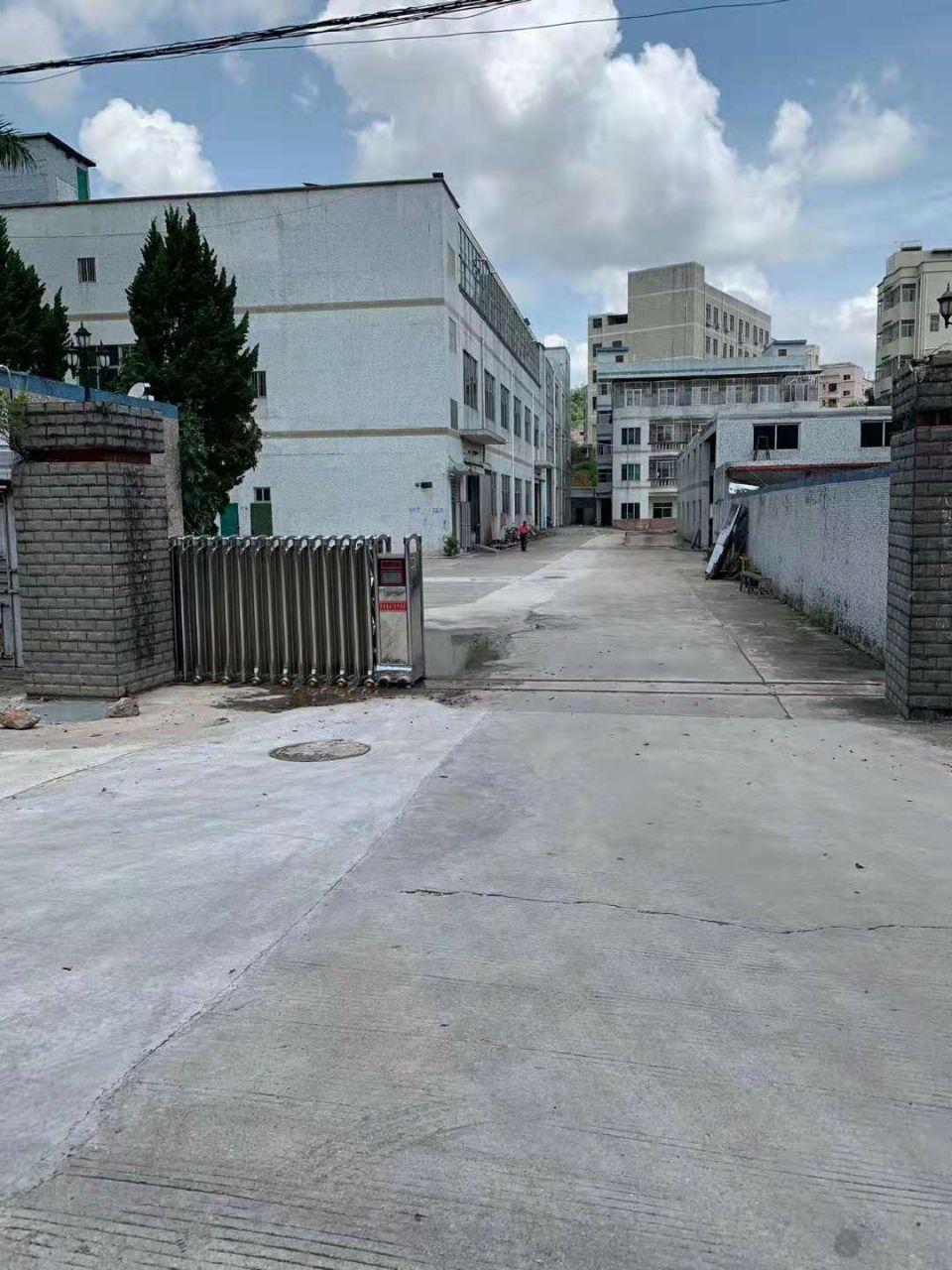 厚街镇寮夏村广场附近新出独院厂房出租总面积9500整租20
