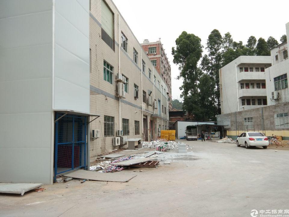 花山独院厂房三楼1000平方带装修办公出租