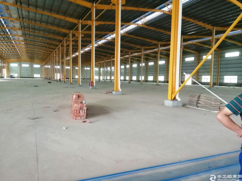 白云区钢结构物流仓库出租,一万平方,可以分租,货柜车随便进