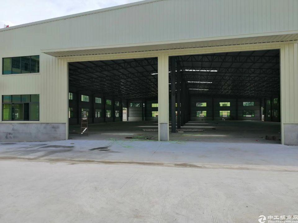 钢结构厂房1500平方,宿舍办公600平方。
