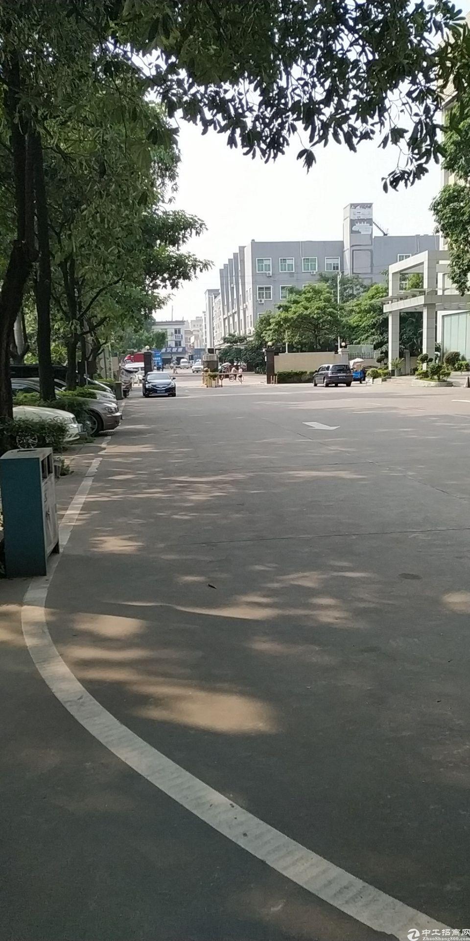 西乡银田宝安大道附近工业园楼上标准厂房1000平方出租