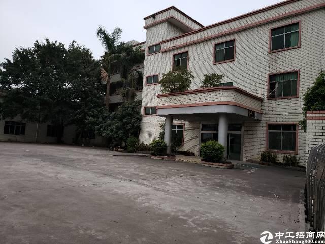 清溪小独院厂房出售建筑面积2500平,目前空置