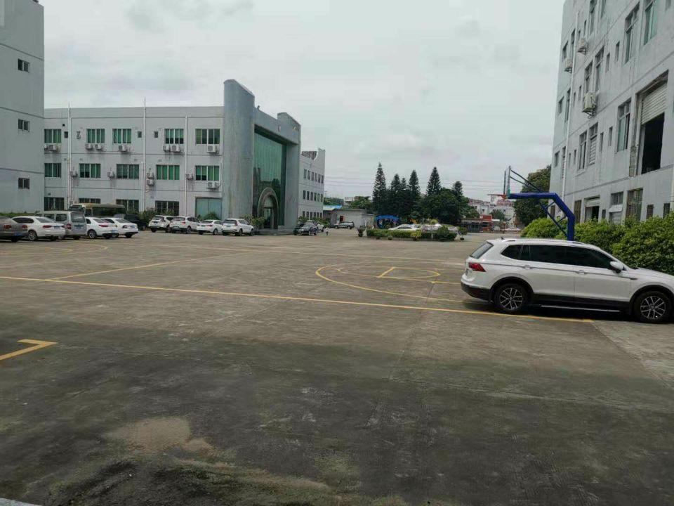原房东分租标准厂房一楼1000平方