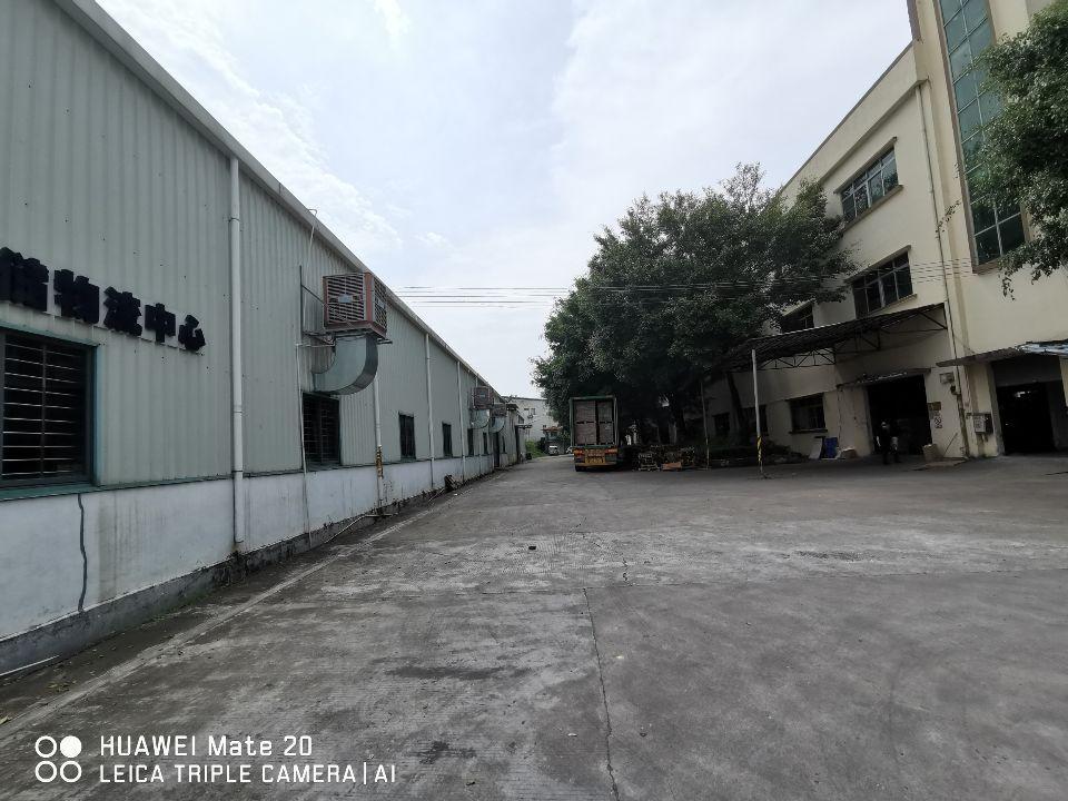 东城牛山1万平方仓库