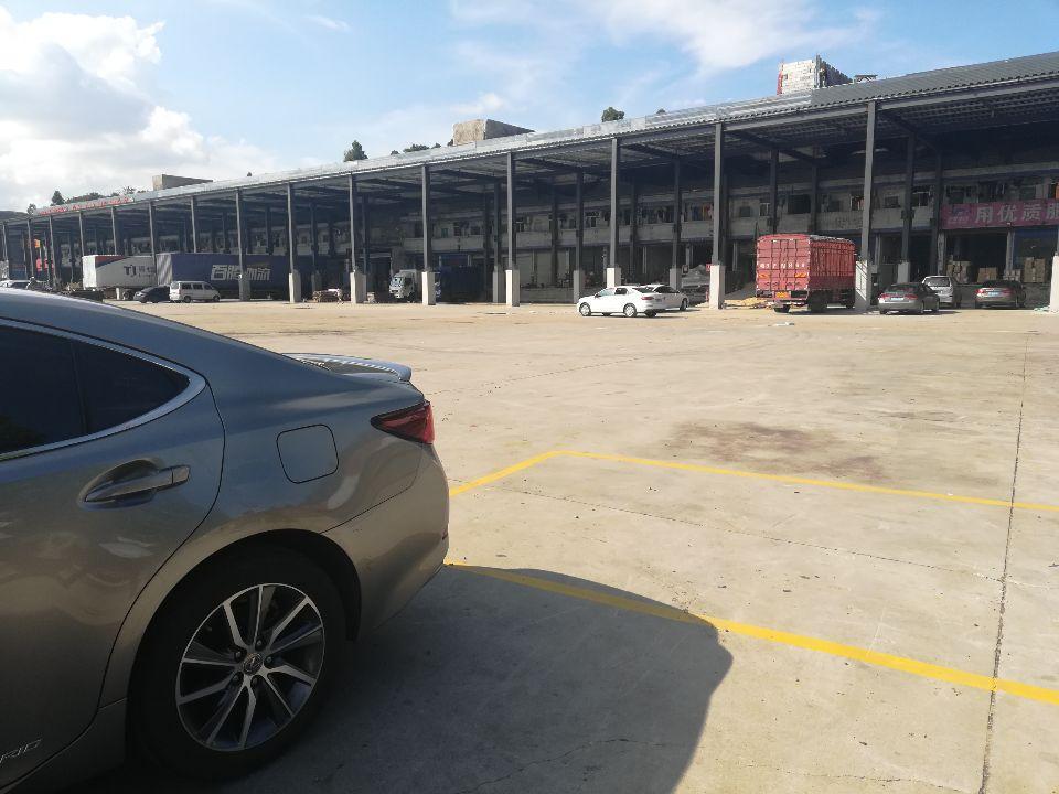 布吉新出一楼仓库800平方带卸货平台