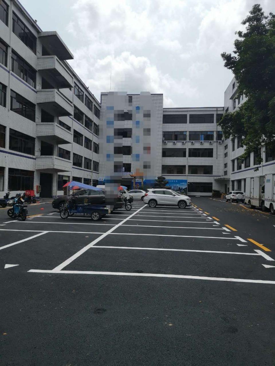 盐田保税区附近新出楼上2000平带精装修厂房出租