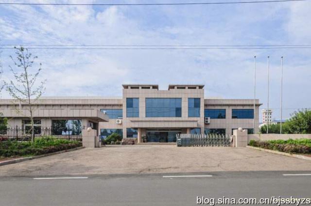 小金口镇占地8484m²建筑17543m²国有标准厂