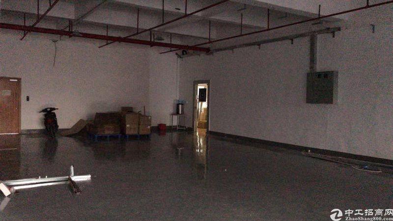 公明田寮高新区新出楼上2400平方带装修厂房出租-图3