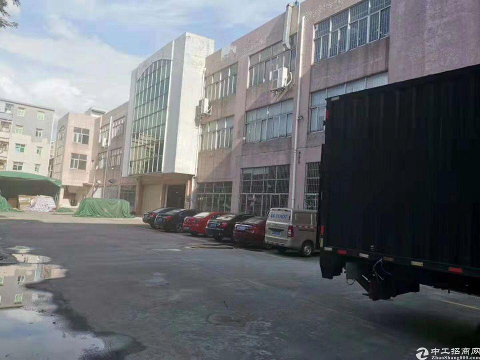樟木头标准厂房1-2楼4000平方,宿舍1-4楼2000平方