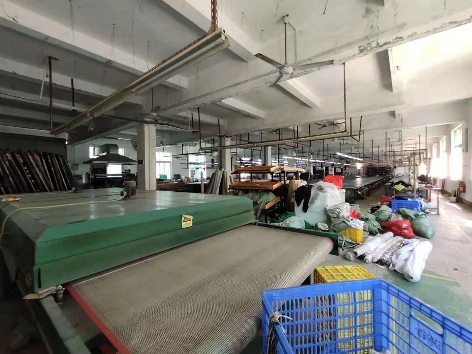 龙岗爱联龙腾工业区新出独院标准厂房楼上两层2000平招租