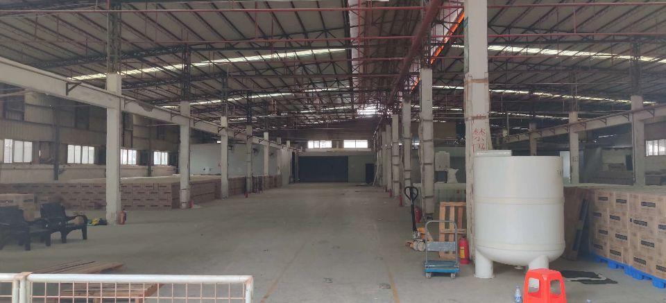 光明区楼村滴水8米高钢构厂房2000平实际面积出租只租25元